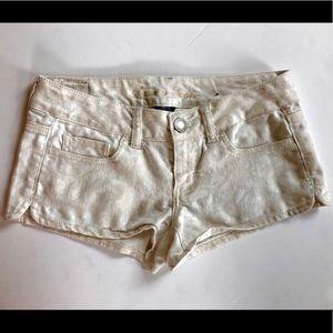 American Eagle Cream Paisley Shorts